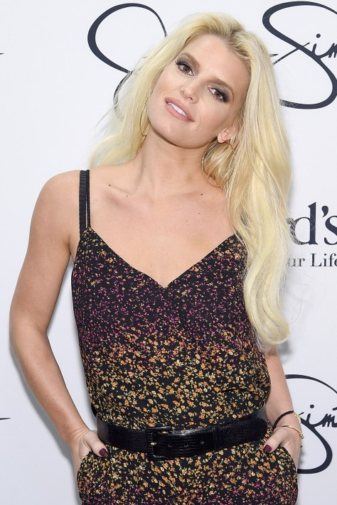 Jessica-Simpson-Vogue-2Apr15-Getty_b
