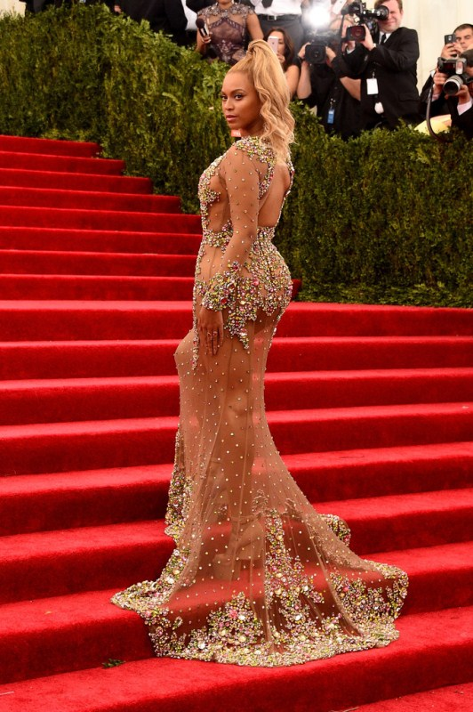 Beyonce-Knowles-China-Through-Looking-Glass-givenchy-custom-met-gala-2015