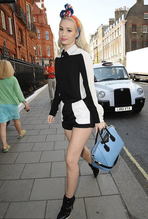 Get-the-Look-Iggy-Azalea-London-DKNY-Boots-Givenchy-Bag-Virgos-Downtown-Leather-Patch-Shorts