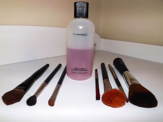 MAC BRUSH CLEANSER REVIEW