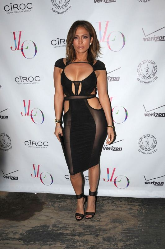 jennifer-lopez-celebrates-her-birthday-at-1oak-club-in-new-york-07-25-2015