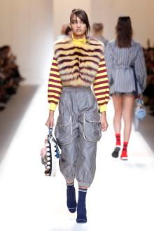 fsfwma13-06com-fashion-week-milan-ss-2017-fendi-highres
