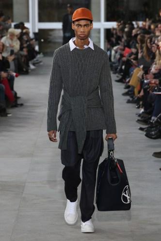 fsfwpa01-15com-paris-fashion-week-f-w-17-18-louis-vuitton-men-highres