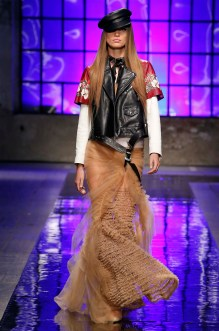 fwmi11.05com-fashion-week-milan-s-s-2018-dsquared2-highres