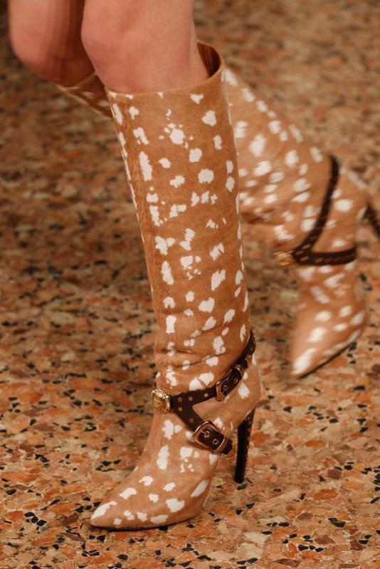 9088de6c747e Módne topánky umožnia fair sex nájsť naozaj perfektnú voľbu pre nohy.  Hlavná vec