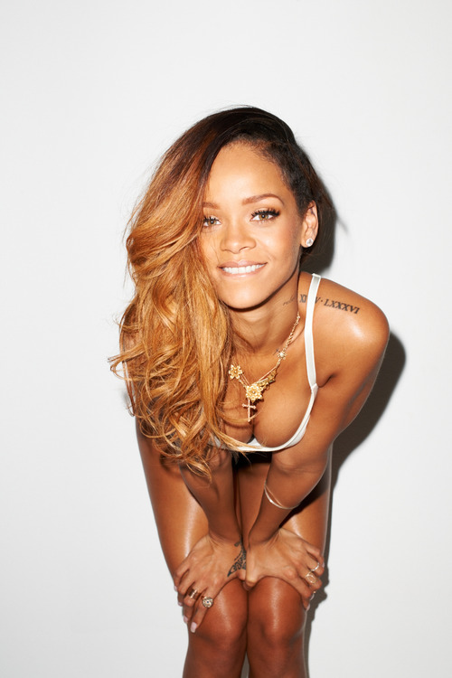 09 Rihanna Behind the Scenes with Terry Richardson for Rolling Stone