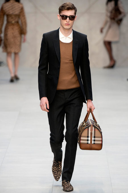 burberry-prorsum-fall-2013-3