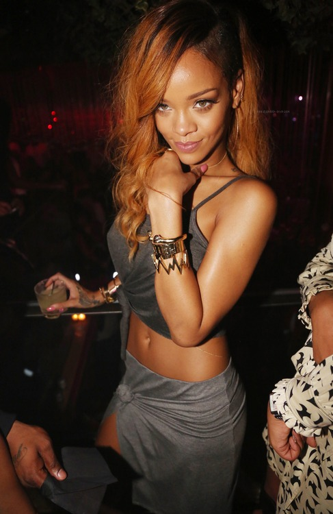 Rihanna-Greenhouse-New-York-City-Diamonds-World-Tour