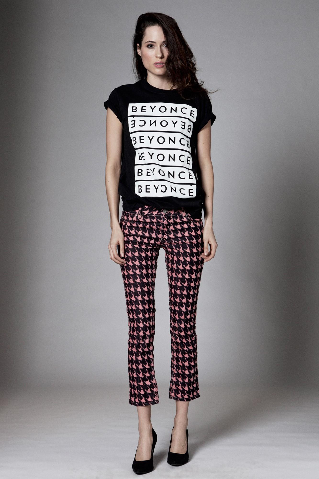 beyonce-repeat-logo-tee