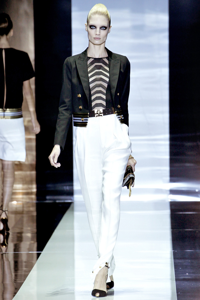 gucci spring 2012 Beyonce's Mrs. Carter Show Gucci Custom Black and White Beaded Top and White Pants