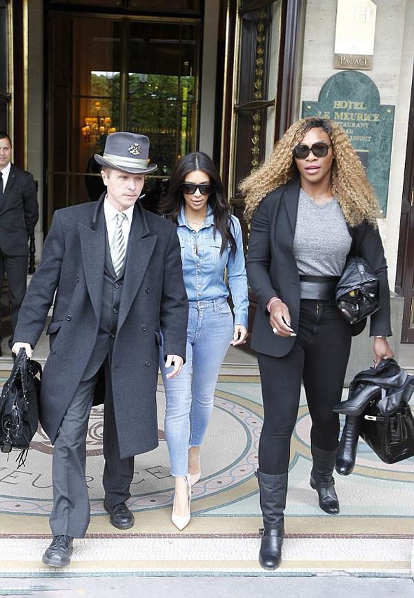 _Kim-Kardashian's-Paris-Balmain-Denim-Shirt,-Skinny-Jeans,-and-Giuseppe-Zanotti-Pink-Suede-Pumps