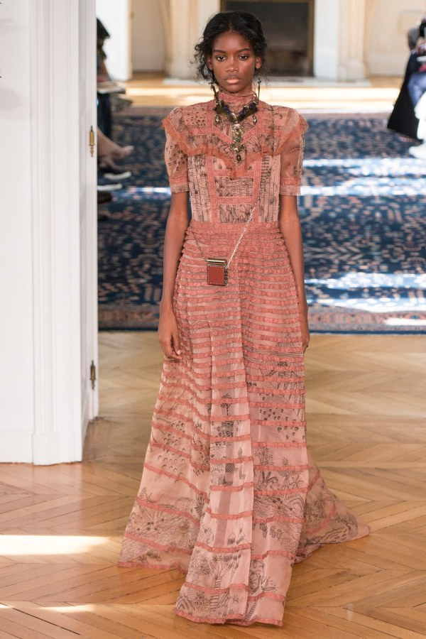 Show Review: Valentino Spring 2017 – Fashion Bomb Daily ...