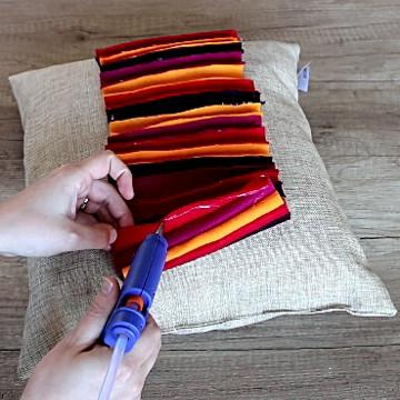 3 Easy DIY Throw Pillow Designs