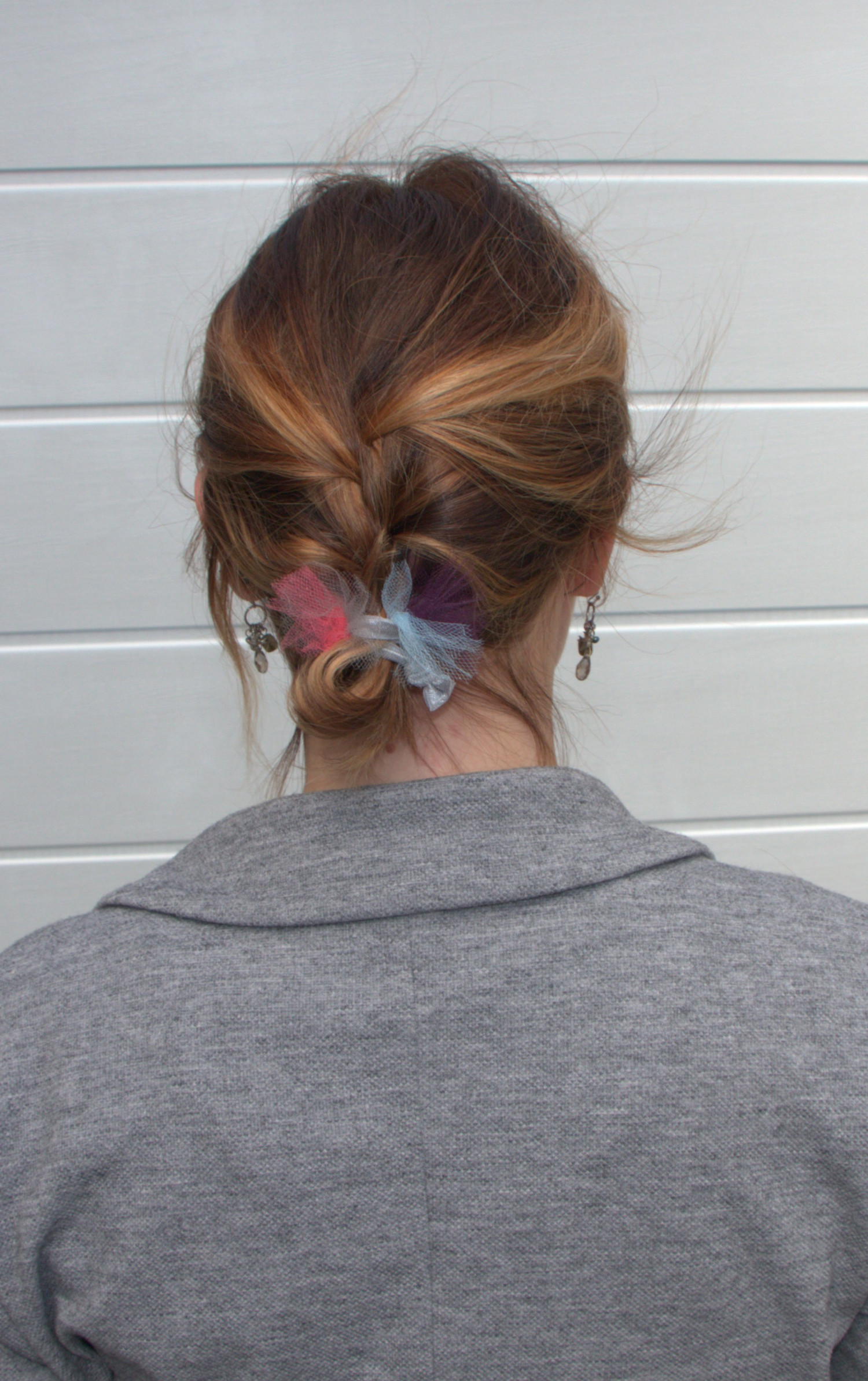 DIY Hair Accessories  How to Make Cute Hair Ties with Tulle ... 7311de79218
