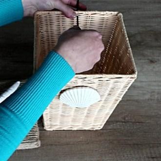 How to Make a Trash Bin Lid