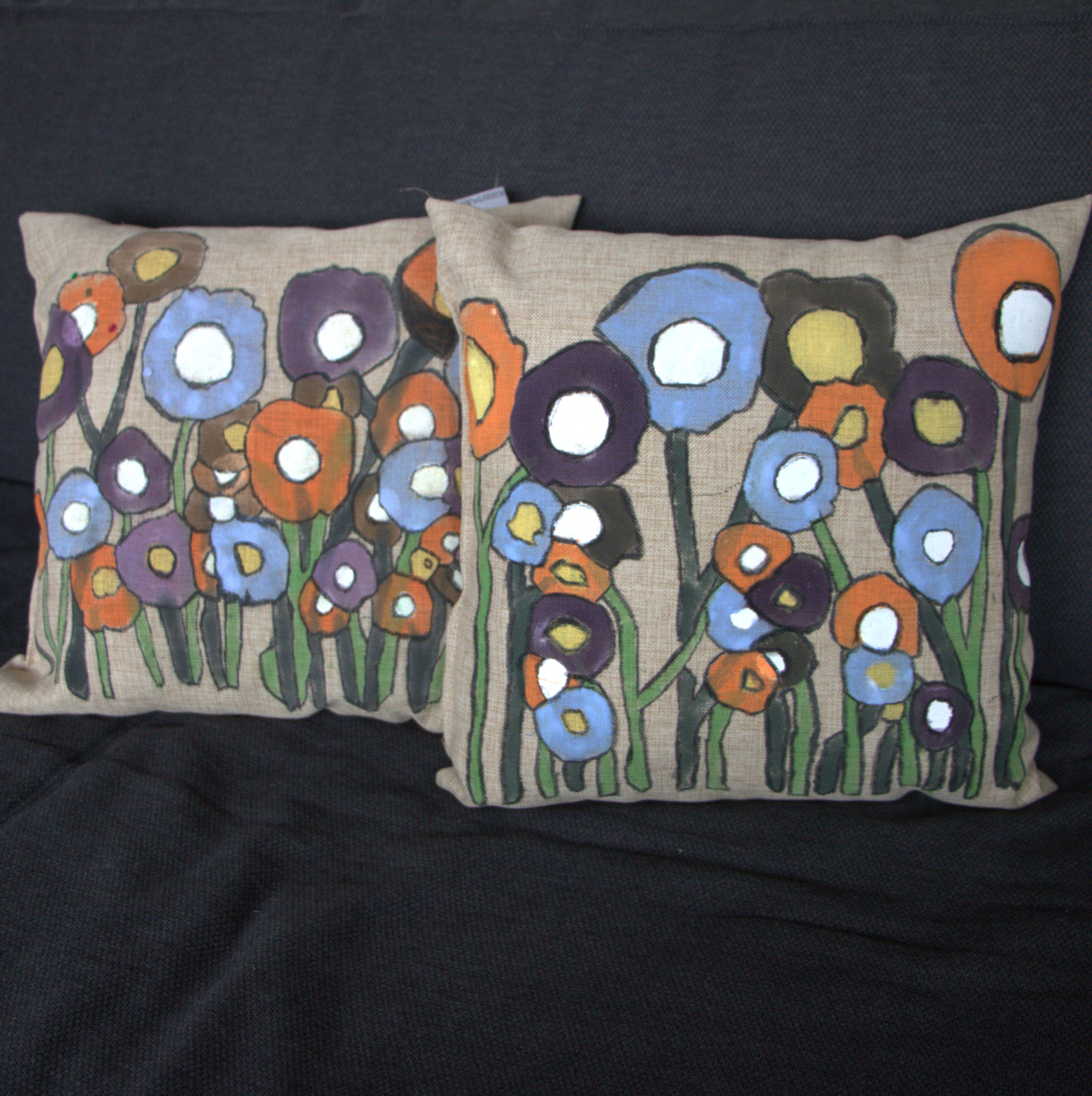 Diy Painted Throw Pillows : DIY Pillow Decoration: How to Make a Painted Accent Pillow
