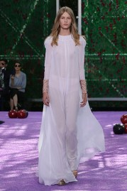 The opening look. Sheer and light chiffon... wait this is Fall/Winter?