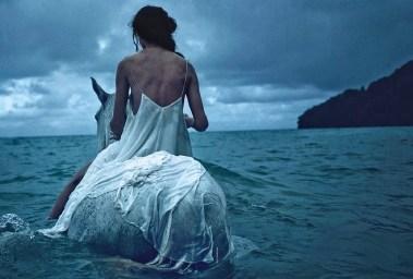 Amanda Wellsh in 'Wayfinder' By Will Davidson For Vogue Australia 1
