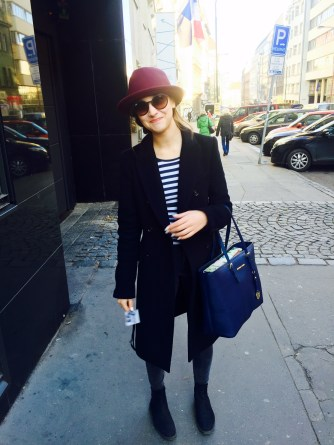 Martina #Frenchgirl: Gant shoes and T-shirt, Zara jeans and coat, Mango hat, Michael Kors bag,