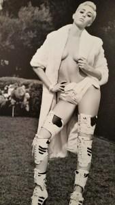 Miley Cirus (2014, v magazine – impression Acrylique sur Aluminium) Karl Lagerfeld