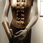 Exposition James Bond - le costume de Madonna
