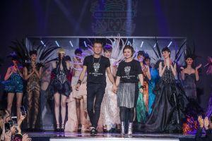 Fashion Show On Aura Tout Vu, Paradis Latin