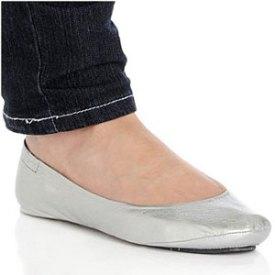 city-slips-foldable-silver-shoes-on-the-go-on-Fashiondailymag.com-brigitte-segura