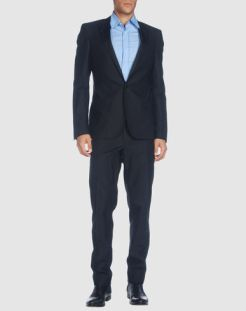 COSTUME-NATIONAL-HOMME-suit-in-BLACK-we-still-love-BOYS-too-on-www.fashiondailymag.com-brigitte-segura