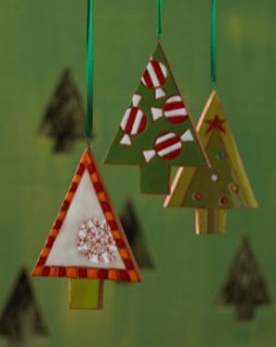 HANDMADE-green-XMAS-TREE-ORNAMENTS-by-artists-FELIX-KNIAZEV-and-OLGA-JULINSKA-at-NM-in-HOME-FOR-THE-HOLIDAYS-on-fashiondailymag