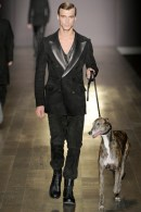 Trussardi-1911-MENS-runway-collection-Fall-Winter-2011-12-by-Milan-Vukmirovic-CLEMONT-on-FASHION-DAILY-MAG-runway-2011-1