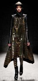 25-GARETH-PUGH-PARIS-FDM-selection-brigitte-segura-photo-valerio-at-nowfashion.com-on-fashiondailymag