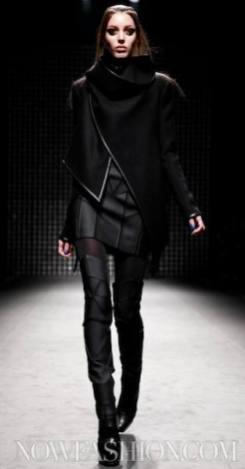 5-GARETH-PUGH-runway-PARIS-F2011-photo-nowfashion.com-on-fashiondailymag