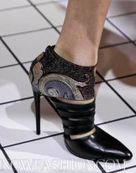 BALENCIAGA-fall-2011-accessories-and-details-selection-brigitte-segura-photo-24-nowfashion.com-on-fashion-daily-mag