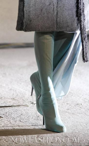 MAISON-MARTIN-MARGIELA-FALL-2011-PARIS-runway-selection-18-brigitte-segura-photo-19-nowfashion.com-on-FashionDailyMag