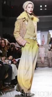 MISSONI-F2011-runway-milan-photo-14-nowfashion.com-on-fashiondailymag.com-brigitte-segura