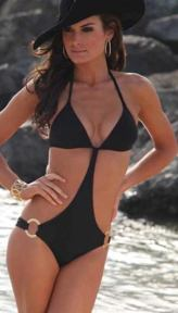 REINA-swim-in-swim-to-love-2011-on-FDM-brigitte-segura