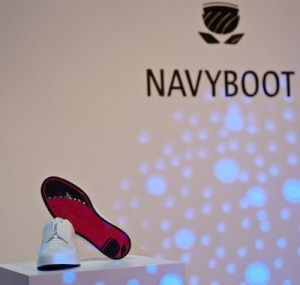 ARoss-Navyboot-red-on-FashionDailyMag