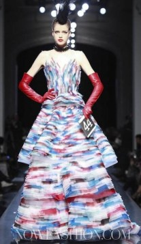 GAULTIER-HAUTE-COUTURE-S2011-photo-NowFashion-on-fashiondailymag-