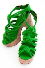 DANIblack-eco-platforms-in-green-on-FashionDailyMag.com-brigitte-segura