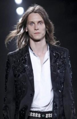 HOT-ON-ALEXANDER-McQUEEN-fdm-LOVES-details-photo-NowFashion-on-FashionDailyMag