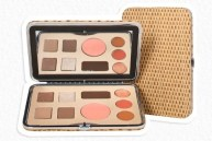 SONIA-KASHUK-beauty-palette-on-FashionDaillyMag