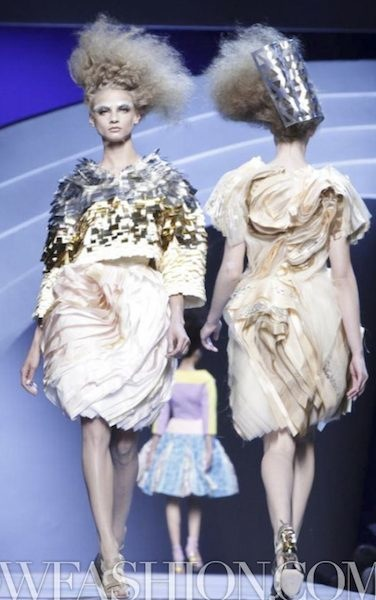 FashionDailyMag-selects-20-CHRISTIAN-DIOR-f2011-haute-couture-july-4-paris-runway-photo-nowfashion