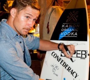 CELEBS-at-therasurf-fundraiser-hosted-by-kanon-organic-vodka-on-FashionDailyMag