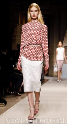 LOEWE SPRING 2012 fashiondailymag sel 5 ph regis colin berthelier nowfashion