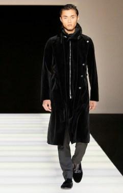 ARMANI-fall-2012-runway-4-FashionDailyMag-