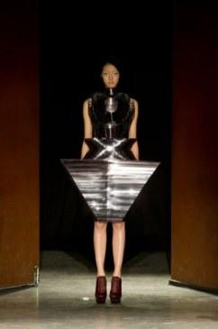 IRIS van HERPEN summer 2012 haute couture FashionDailyMag sel 09b ph yannis vlamos