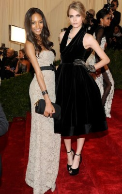 cara delevingne and jourdan dunn wearing burberry to the metropolitan museum of art 2012 costume institute benefit in ny, 07-1.05.12