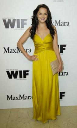 Rachel-Leigh-Cook-in-Max-Mara