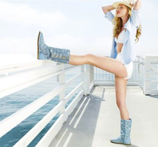 SUMMERTIME-casual-accessories-FashionDailyMag