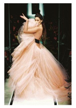 JPG Ze Parisienne French Cancan gown haute couture spring_summer 2002 fashiondailymag selects